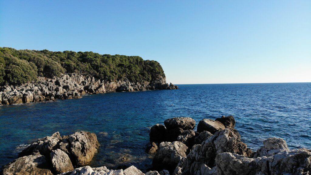 sea view of the Molunat bay