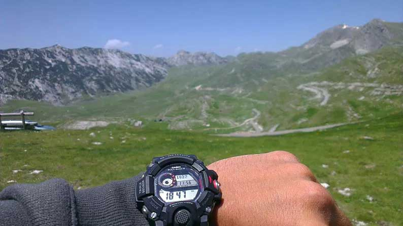hiking in durmitor national park of montenegro