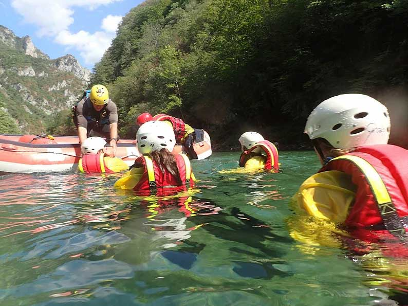 whitewater rafting tara river montenegro
