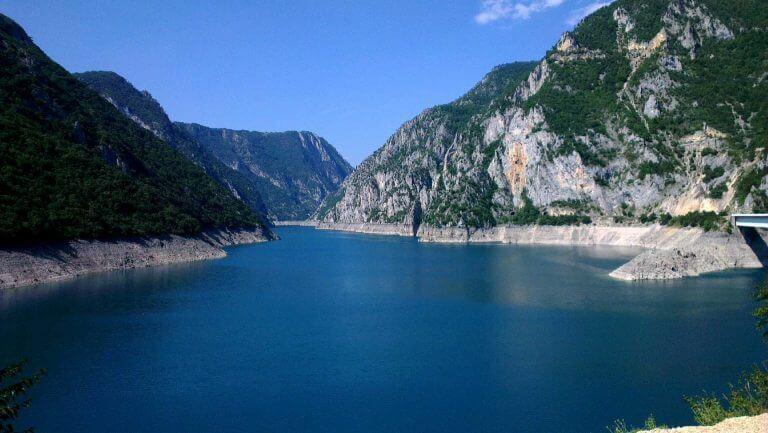 piva lake montenegro
