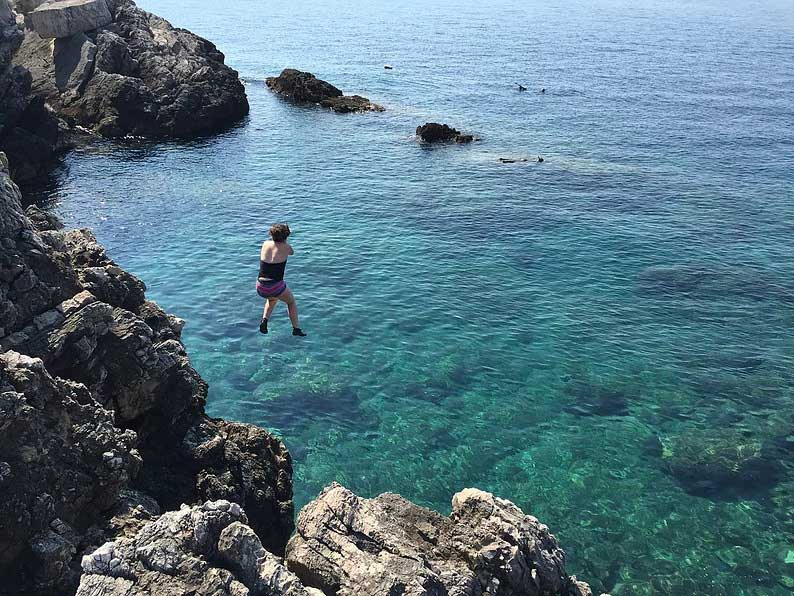 cliff jumping dubrovnik croatia sipan island